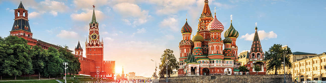 See Majestic View of The Red Square in Moscow