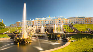 See the Beauty of the Peterhof Palace in St Petersburg