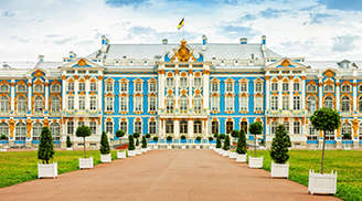 Explore the Catherine Palace in St Petersburg