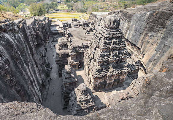 Visit Trimbakeshwar and witness its iconic architecture