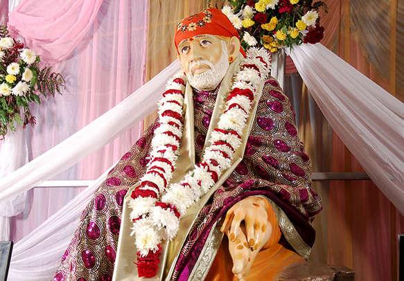 Indulge into a spiritual tour in Shirdi and Shani Shingnapur