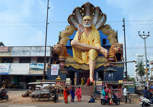 Seek the blessings and experience a religious tour of Shirdi