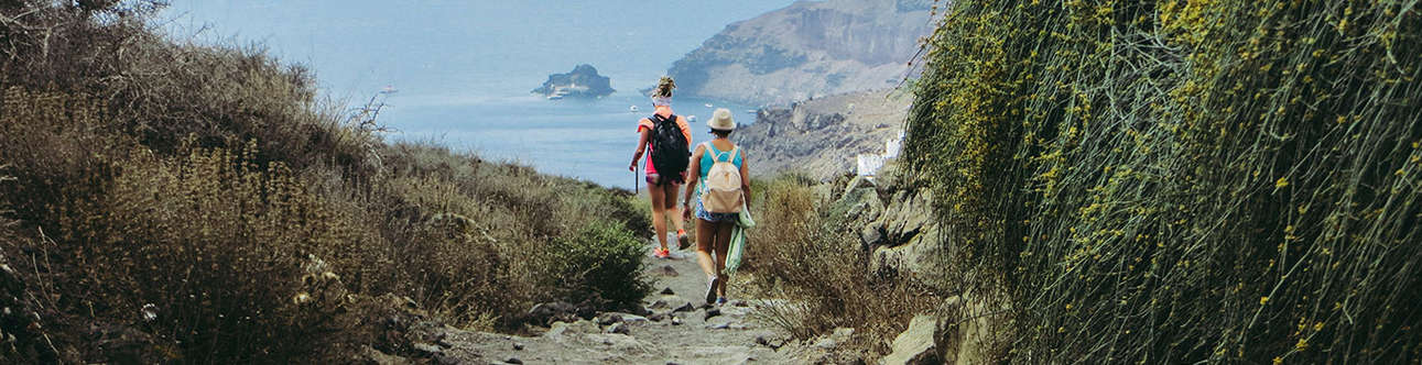 Feel thrilled in Hike to the Santorini Caldera