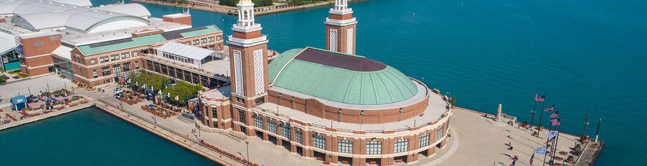 Visit the Navy Pier In Chicago