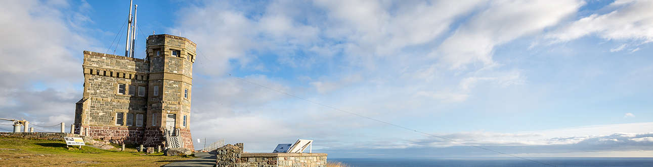 Visit the Signal Hill in Cape Town