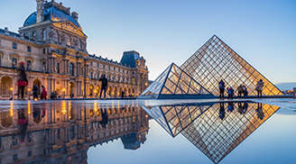Have Fun in The Louvre Museum in Paris