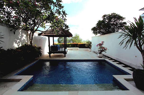Lv8 Resort Hotel