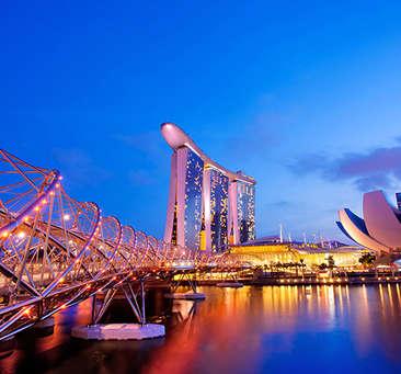 Paradisiacal Luxury Honeymoon Package For Singapore