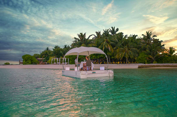 Lily Beach Resort & Spa At Huvahendhoo