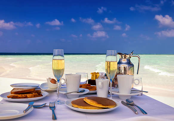 Enjoy the delicious dishes of Maldives on the house