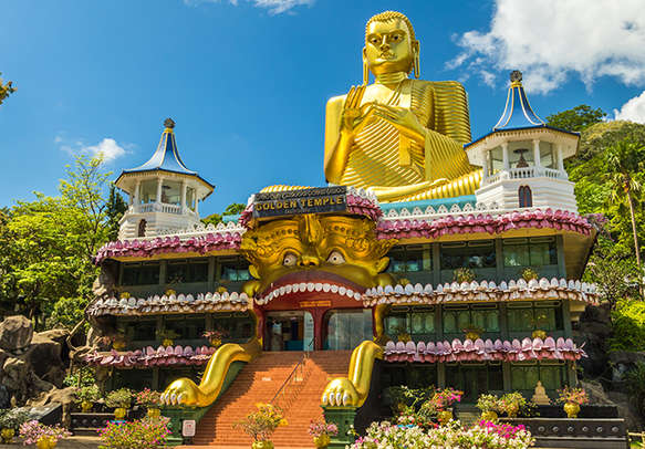 Visit the exotic Temple Of The Tooth Relic and take some blessings