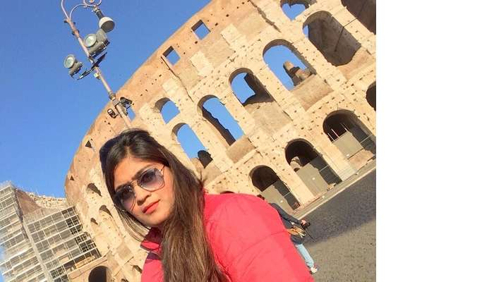 Manvi near Colosseum in Rome