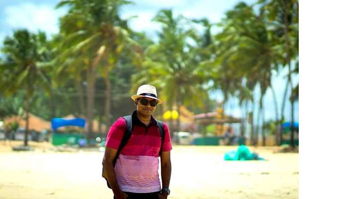 couples trip to candolim beach