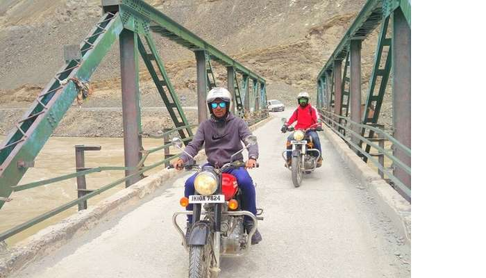 ninad ladakh bridge bike ride