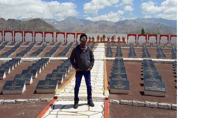 ninad on a visit to drass war memorial in ladakh
