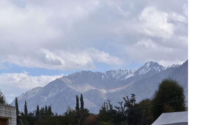 lokpal romantic trip to ladakh: views of himayalas