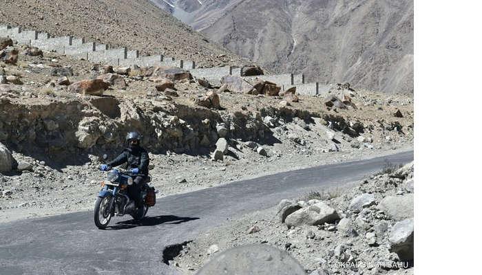 lokpal romantic trip to ladakh: riding bike in ladakh