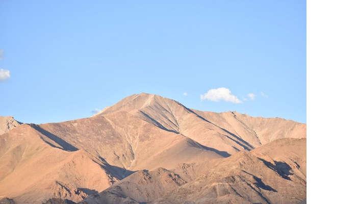 lokpal romantic trip to ladakh: nubra hills