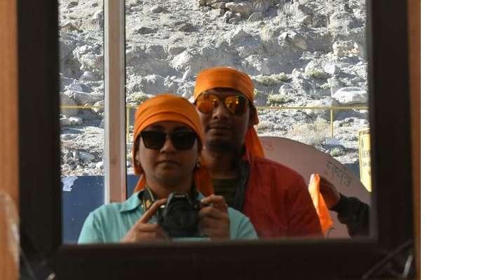 lokpal romantic trip to ladakh: posing