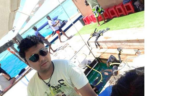 Himanshu honeymoon trip to Mauritius: himanshu at watersports location
