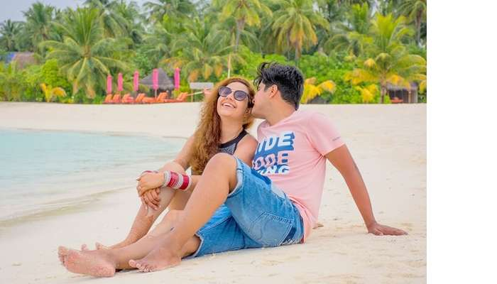 ankit wadhwa maldives honeymoon: photoshoot beach