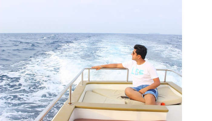 ankit wadhwa maldives honeymoon: dolphin cruise