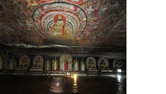 Dambula_Cave_Temple