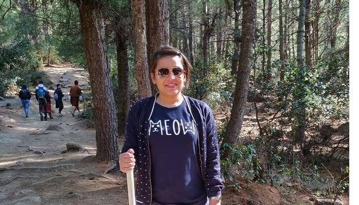 trekking to monastrey