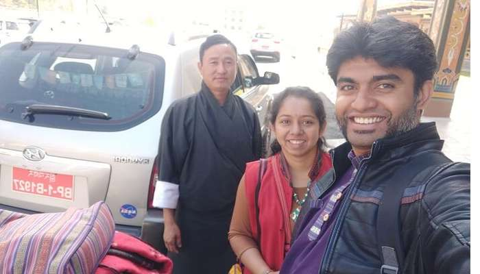 With driver _ guide - Lal Bahadur