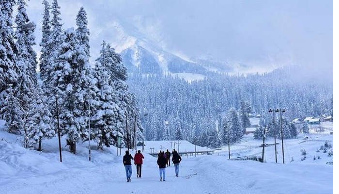 Gulmarg fully covered with snow