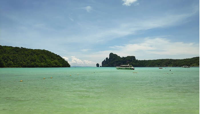 Phi-Phi islands beach