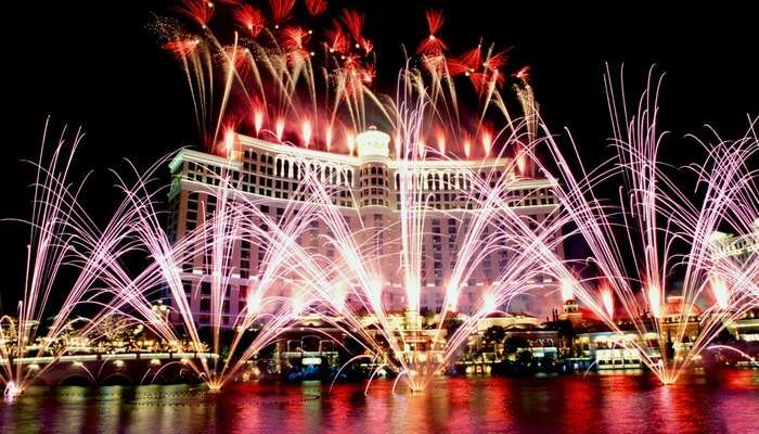 Magical fireworks in Las Vegas set the water on fire