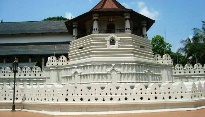 Temple of Tooth in Kandy