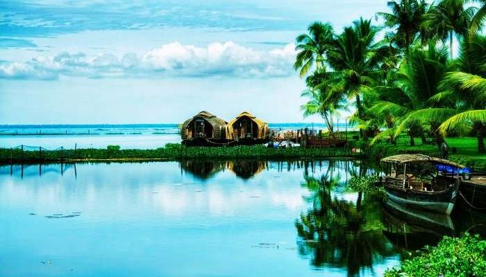 Kumarakom is undoubtely one of the best honeymoon destinations in Kerala.
