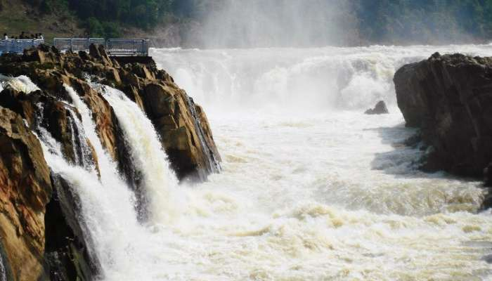 Witness the frothing white Dhuandhar Falls in Jabalpur