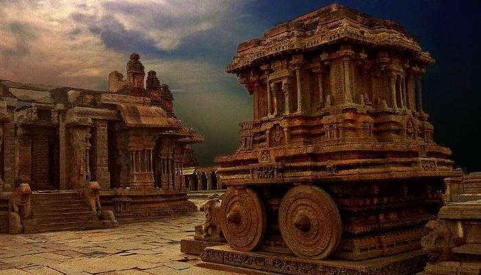 Travel to Hampi for the majestic architectural grandeur