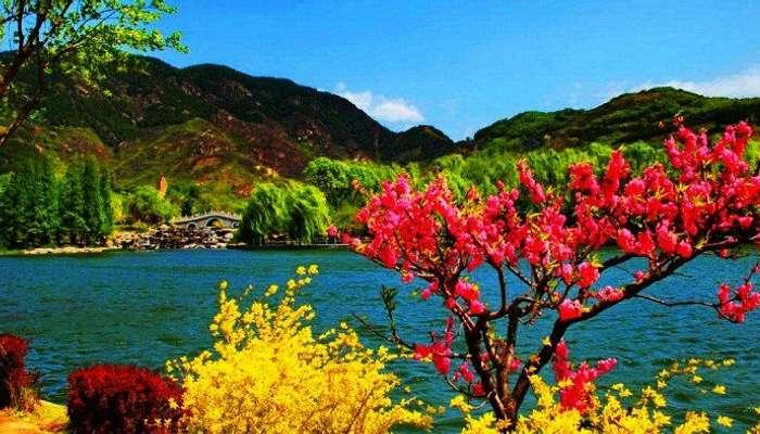 Beautiful valleys of Kashmir