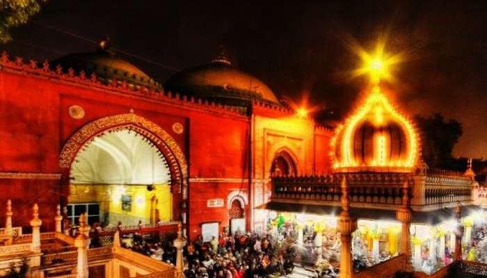 Live qawwali session at Hazrat Nizamuddin's Dargah
