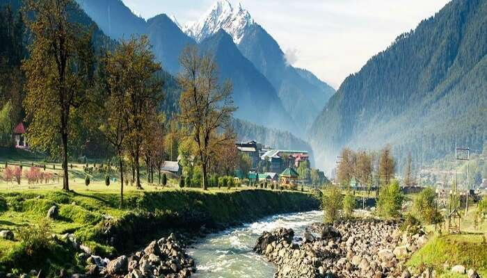 The Top Places to Visit in Kashmir 2021