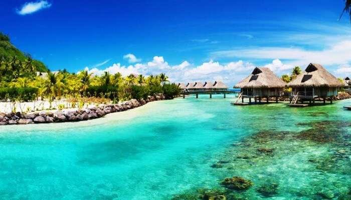 Belize'nin Azure Waters ve su üstü villaları
