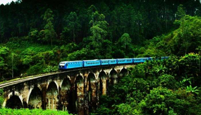 DemodaraNine Arch Bridge in Ella is one of th emost beautiful places to visit in Sri Lanka