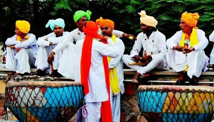 Performers at Delhi Haat