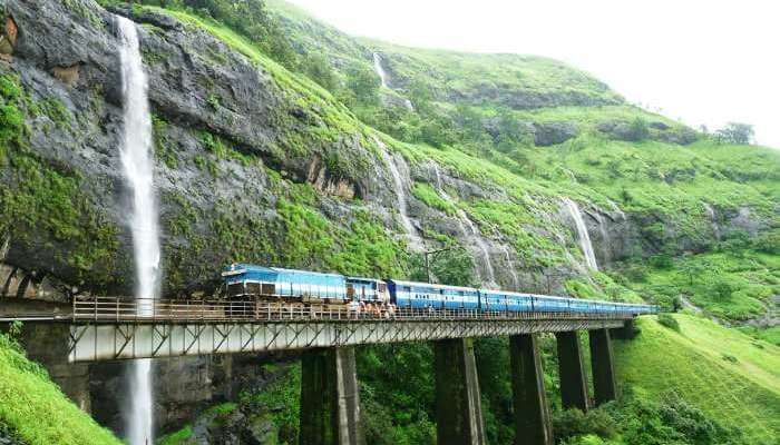 18 Beautiful Train Journeys in India To Experience In 2019