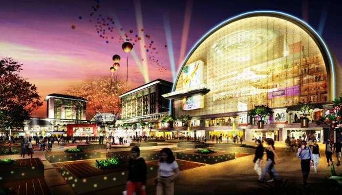 A view of the grand Mall in Saket