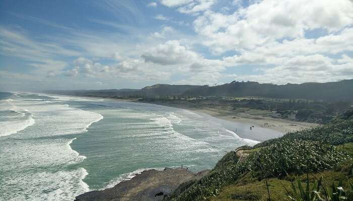 waves crashing at Muriwai beach