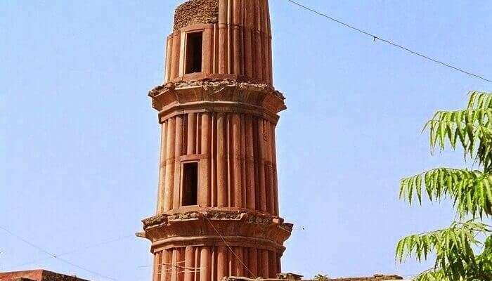 Hastshaal Minar is popularly called as Chhota Qutub Minar