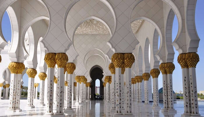 The elegant architecture of Sheikh Zayed Grand Mosque Centre makes it one of the greatest tourist attractions in Abu Dhabi