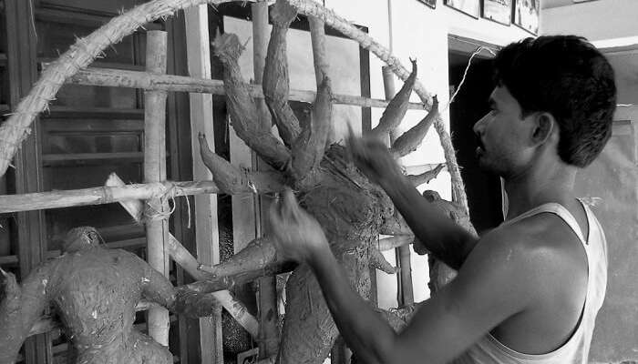 A craftsman at Amadubi in Jharkhand - A place unexplored in India