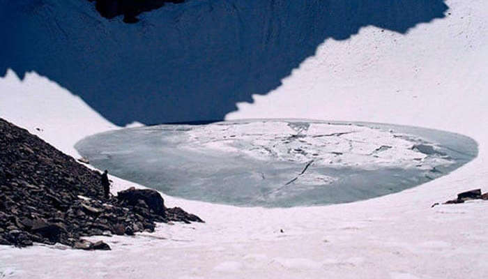 The frozen Roopkund Lake at Chamoli