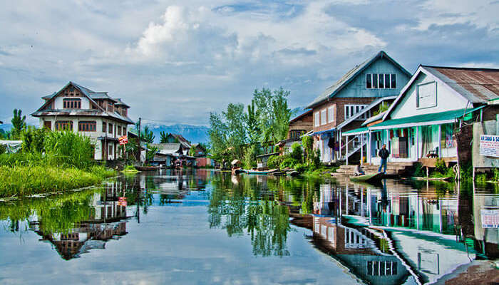 Jhelum in Srinagar is among the most beautiful places to visit in India in December